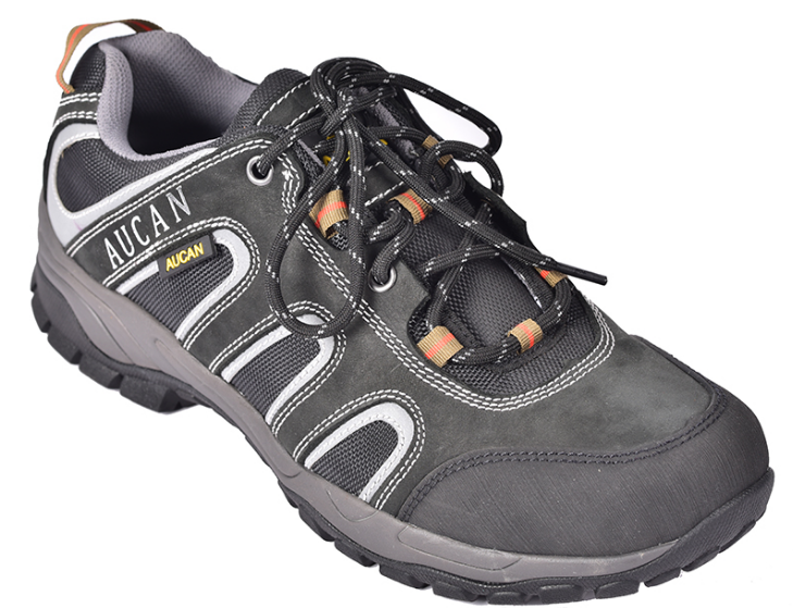 劳保鞋:电工、焊工、建筑工都要穿的鞋子